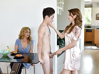 FamilyStrokes - Stepsiblings Gets Caught Fucking overwrought Stepmom
