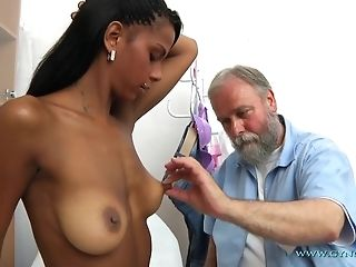 Setaceous elderly Gynecologist Checks-Up All crevasses Of youthful Exotic chick freeporn