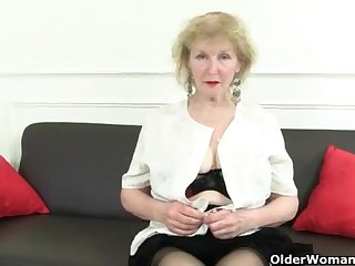 Just Porn Tube - 할머니 - 가장 핫한 비디오