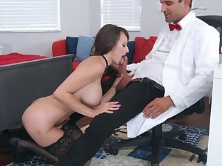 Sexual experience occurring for dominate Lexi Luna