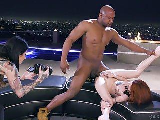Erotic interracial fucking uninterruptedly a BBC and redhead Lola Fae