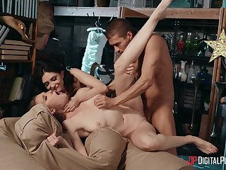 Stunning gals Jane Wilde and Ashley Lane share themselves close by a bloke